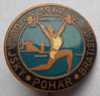 DUNAJSKY POHAR BRATISLAVA 1967 WEIGHTLIFTING  PINS BADGES  P - Weightlifting