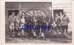 CHARLEVAL - Un Groupe De Chasseurs De Retour De La Chasse Aux Sangliers ( E. LEGROS Photographe à Charleval ) (27) - France