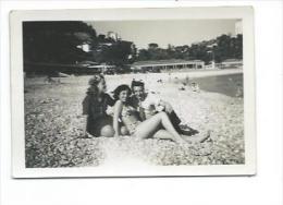 Ancienne PHOTO 9 X 6,5 Cm De 1946.. NICE. Jeune Fille En Maillot De Bain Bikini - Places