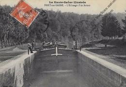 CPA Port Sur Saône 70 Haute Saône Illustrée éclusage D´une Péniche - Non Classés