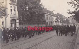 Foto Dessau Soldaten Landwehr Marschieren 1.Weltkrieg Straßenbahn Um 1914 - Dessau