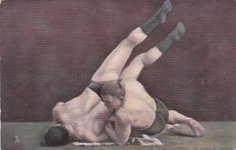 CPA Animée Sport Lutte Lutteurs Ramassement De Bras à Terre - Wrestling