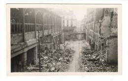 BOMBARDEMENTS DE NANTES ( Septembre 1943 )/ RUE CONTRESCARTE ( Marché Et Petit Pont De La Rue Du Calvaire)/ Cliché N° 11 - Nantes