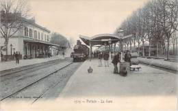 84 - Pertuis - La Gare (train Locomotive) - Pertuis