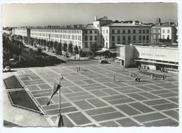 17] Charente Maritime ROYAN (1) Place De La Renaissance Nouvelles Galeries (Cpsm- Editions: CAP 1828)*PRIX FIXE - Royan