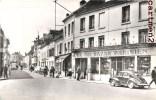 CREPY-EN-VALOIS RUE DE PARIS DEVANTURE GRAND BAZAR PARISIEN AUTOMOBILE 60 - Crepy En Valois