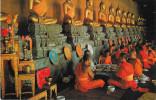THAILANDIA BANGKOK BUDDHISTS TO THE PRIEST IN THE FESTIVE MERIT AT WAD PHRA JETUPHON - Thaïlande