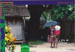 Madagascar °° Île De Sainte-Marie - Pluie Ou Soleil - écrite 1998 - Madagascar