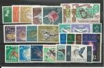 NOUVELLES HEBRIDES - 1963/1967 - PETIT LOT * CHARNIERE TRES LEGERE - COTE = 135 EURO - - Nouvelles-Hébrides