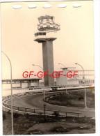 ROMA -- FIUMICINO -- AEROPORTO INTERCONTINENTALE DI ROMA -- LEONARDO DA VINCI -- TORRE DI CONTROLLO -- FOTO Cm. 13 X 9 - - 1946-....: Modern Era