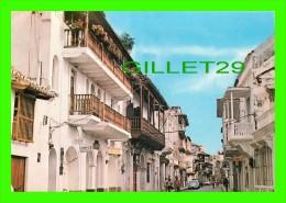 CARTAGENA, COLOMBIE - COLOMBIA - CALLES Y BALCONES COLONIALES - - Colombie