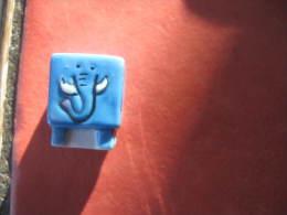 Fève éléphant Forme Cube Série Les Animaux Cube - Fèves -  Rare - Animals