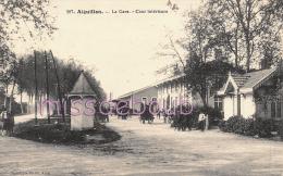 47 - AIGUILLON -   La Gare - Cour Intérieure - Calèches - Dos Vierge - 2 Scans - Autres Communes