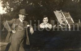 Photo Ancien / Foto / Old Photo / Homme / Man / Woman / Lady / Femme / Voiture / Old Car / 1920s - Automobili
