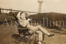 Photo Ancien / Foto / Old Photo / Homme / Man / Chaise à Bascule / Rocking Chair / Schommelstoel - Objetos