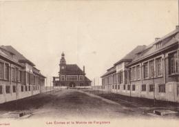 -02 Fargniers  Les Ecoles Et La Mairie De Fargniers - France