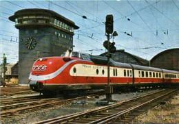 Frankfurt Am Main - Trans Europ Express Helvetia Bei Der Ausfahrt - Frankfurt A. Main