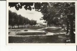 Nay  64   Le Jardin Public Et Les Bains-Douches - Frankrijk