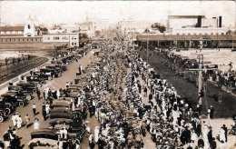 Strassenszene In Bucamaranga? (Columbien?) Attraktion ... Viele Autos, Belebte Strasse, Fotokarte Um 1930 - Colombia