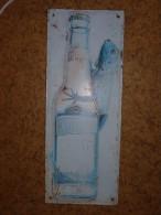 ANCIENNE PLAQUE EMAILLEE  EN TÔLE BOMBÉE BIERE ALSACIENNE DESPERADOS AU LÉZARD 55x21.5 Cm - Liquor & Beer