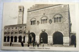 TREVISO -  PIAZZA DEL DUOMO ANIMATA - Treviso