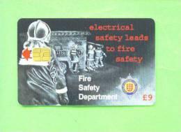 GUERNSEY - Chip Phonecard/Firemen - Firemen