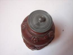 AF. Lot. 502. Magnifique Et Rare Pot à Thé En Grès. Décoré D'angelots Récoltants - Oriental Art
