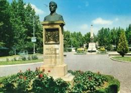 Castelfiorentino (Firenze) - Piazza Gramsci - Busto A Cesare Manetti E Monumento Ai Caduti - Altre Città
