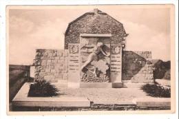 ( PERS4 - 45-46 - ) Les Avins - Le Monument - Clavier