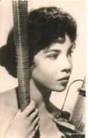 CPA-1955-ARTISTE -LESLIE CARON-Metro Goldwyn Mayer-Edition Du GLOBE-TBE - Artistes