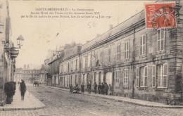 CPA 51 Sainte Menehould -  La Gendarmerie  - Ancien Hotel Des Postes - Sainte-Menehould