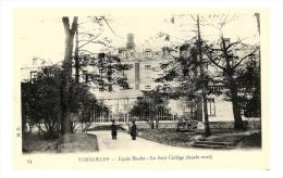 CPA VERSAILLES Lycee Hoche , Le Petit College Facade Nord , Edit. M. K. , Yvelines - Versailles