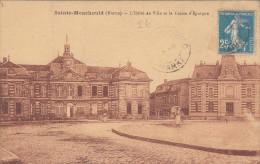 CPA 51 Sainte Menehould - L'hotel De Ville Et La Caisse D'épargne - Sainte-Menehould