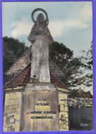 Carte Postale 62. Isbergues  Statue De Sainte-Isbergues  Trés Beau Plan - Isbergues