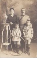 Enfants - Costume Marin - Carte-Photo - Jeux Cerceau - Militaria Père - Grupo De Niños Y Familias