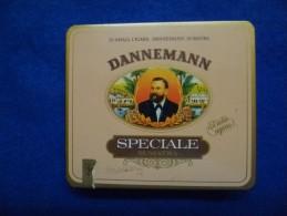 Boîte Métallique De Cigares Dannemann, Vide - Boites à Tabac Vides