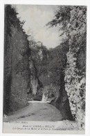 (RECTO / VERSO) BELLEY EN 1920 - ROUTE DE YENNE - LES GORGES DE LA BALME ET FORT DE PIERRE CHATEL - CPA - Belley