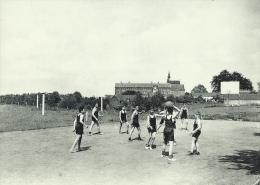Enghien - Collègue St.-Augustin - Une Plaine De Sport, élèves - Edingen