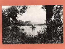 80 CONDE-FOLIE - L'Etang De Monsieur CHEVELU  Canotage Sur L'étang -CPSM  PF Dentellée Année 1960 EDIT DOMINOIS - France