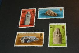 M300-  Set MNH Guernsey 1977 - Scott 149/52 (MH) Prehistoric Monuments - Archeologia