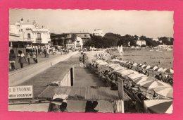 06 ALPES-MARITIMES JUAN-LES-PINS, La Promenade, La Plage, Animée, Commerces, 1951, (MAR, Nice) - Autres Communes