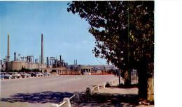 Belle CPSM     -    Berre L 'Etang   - Les Raffineries                  AC816 - Sonstige Gemeinden