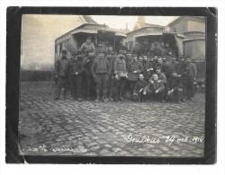 DOULLENS (80) Ancienne Photographie Autobus Militaires Guerre 1914 Beau Plan - Doullens