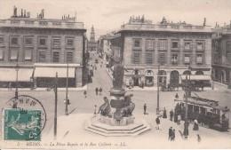Cp , 51 , REIMS , La Place Royale Et La Rue Colbert - Reims