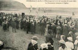 V99 Cpa 22 Etables - Pélerinage De N.D De Lourdes, La Procession Retourne à L'Eglise - Etables-sur-Mer