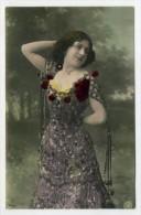 Pc. With Brilliants - FEMMES - FRAU - LADY - WOMAN - Jolie Carte Fantaisie Portrait Jeune Femme ( 2 Scans ) - Femmes