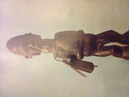 Poster, 24 X 31 , STATUETTE D'homme TEKE , République Démocratique  Congo, Arts Premiers Africains - Old Paper