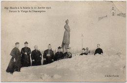 Mgr Maurin Evèque De Grenoble, A LA SALETTE Le 10 Janvier 1912 Devant La Vierge De L' Assomption  ( 83343) - Non Classés