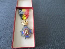 MEDAILLE 30 - Médailles & Décorations