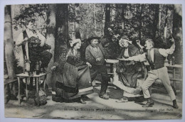LA BOURREE D´ AUVERGNE -  1905 - Animée De Danseurs Et Joueur De Vielle - Danses